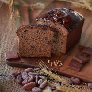 Mon Tresor(モントレゾール) 小川尚子様と共同開発した、北海道産ルバーブとTumaco Leche 53%(ミルクチョコレート)のケーキ